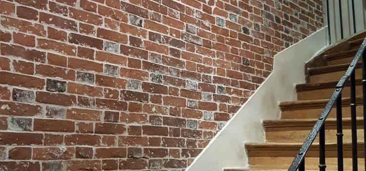 Redonner vie à un mur en briques